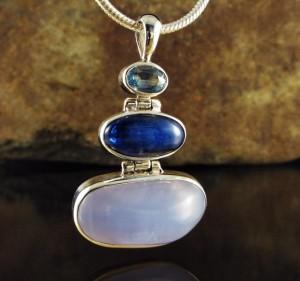 Blue Topaz & Lapis Lazuli & Blue Chalcedony Pdt Med